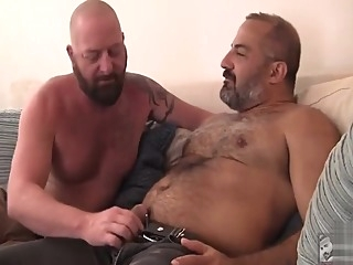 group sex bareback bear